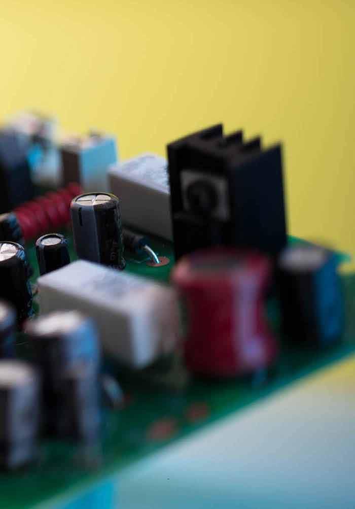 Graphene Field-Effect Transistor for Terahertz Modulation